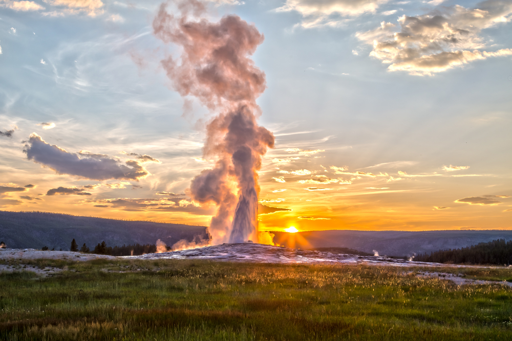 old faithful, yellowstone, national park, geyser